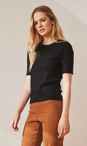 Sloane short sleeve fitted knit black