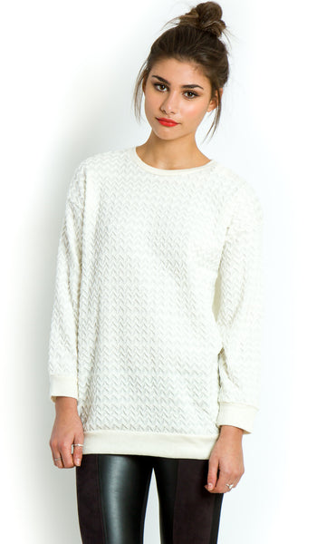 Oversized textured off-white zigzag knit