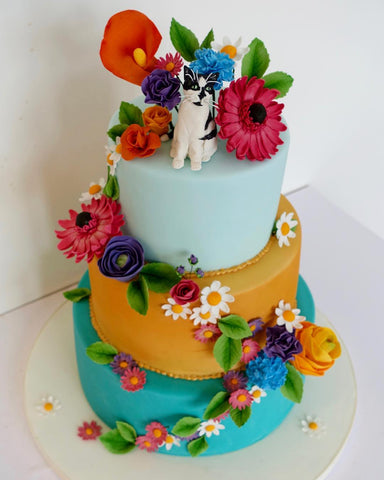 Fondant Figure Wedding Cake