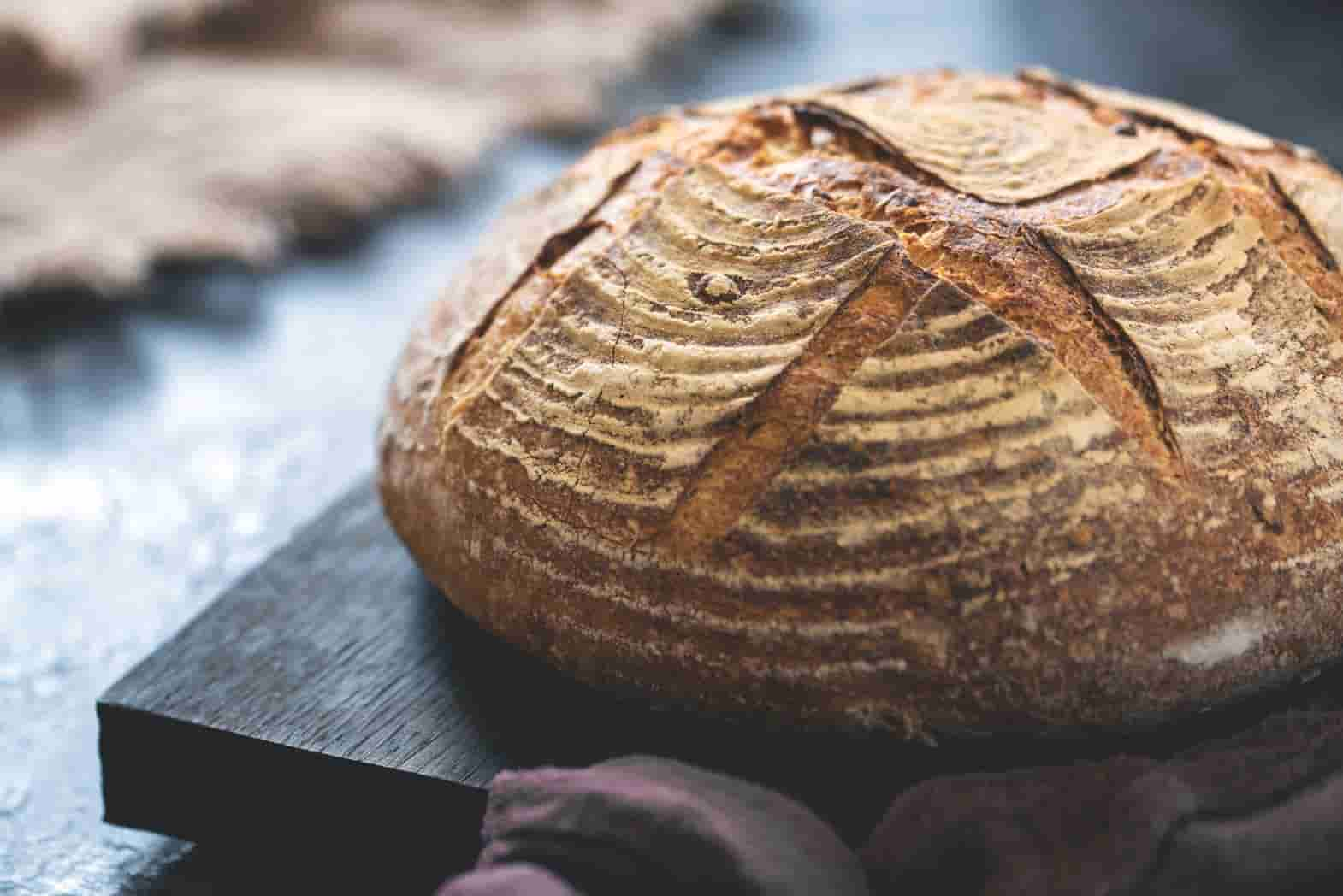 How to make bread and the ingredients you need