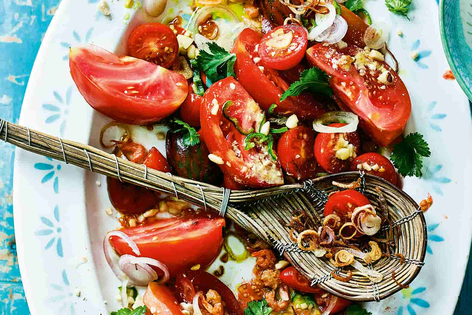 Tomato And Crunchy Peanut Salad