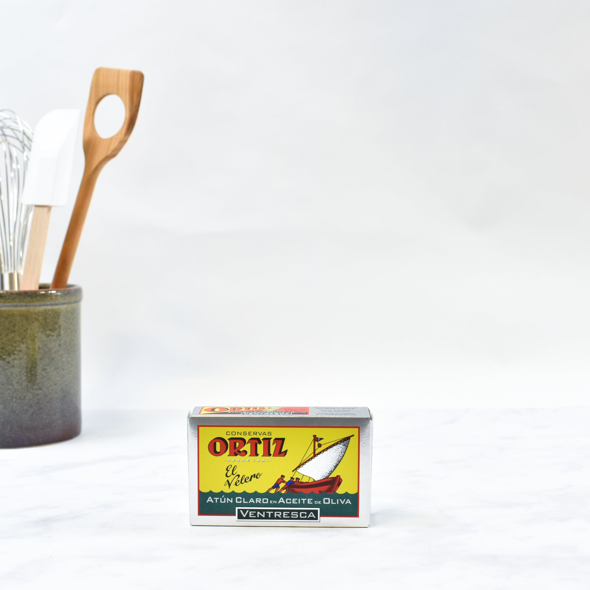 Ortiz Atun Claro Belly In Olive Oil - Ventresca 110g Ingredients Seaweed Squid Ink Fish Spanish Food Lifestyle Packaging Photo