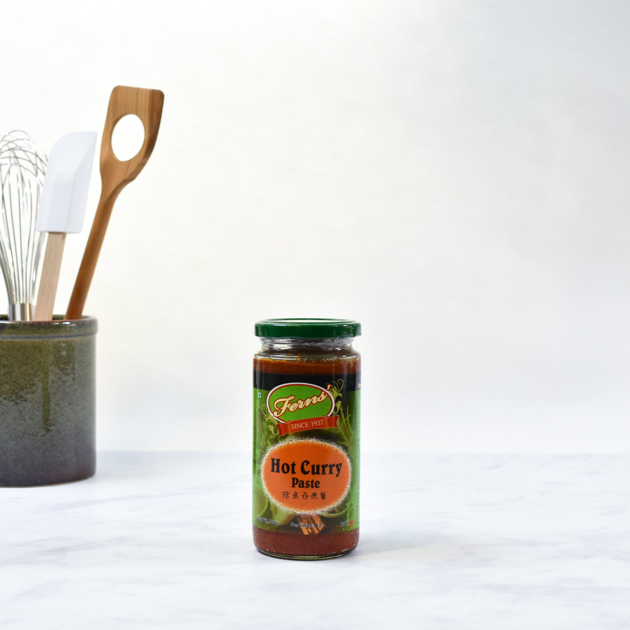 Ferns' Hot Curry Paste 380g lifestyle photograph