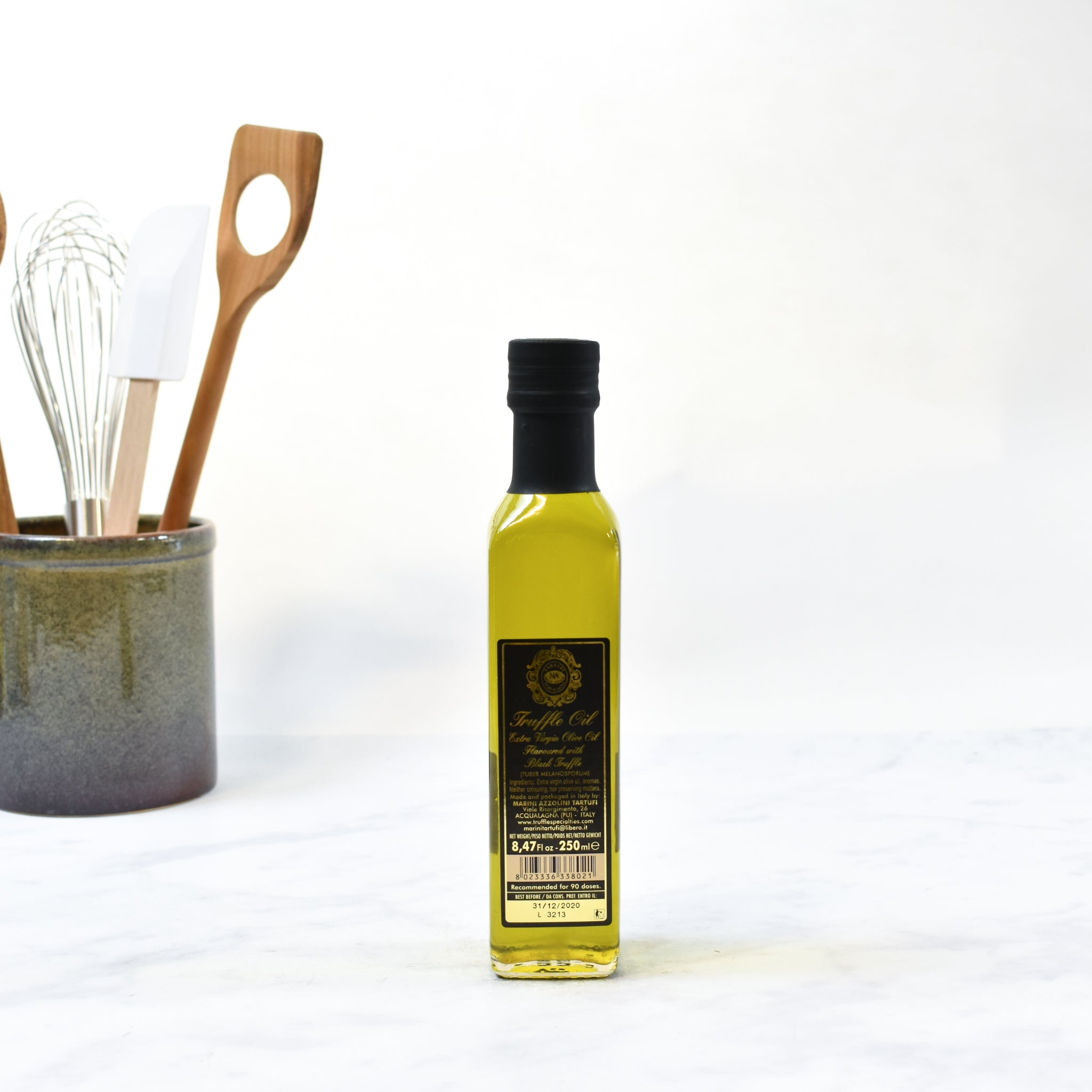 Black Truffle Oil 250ml  lifestyle photograph