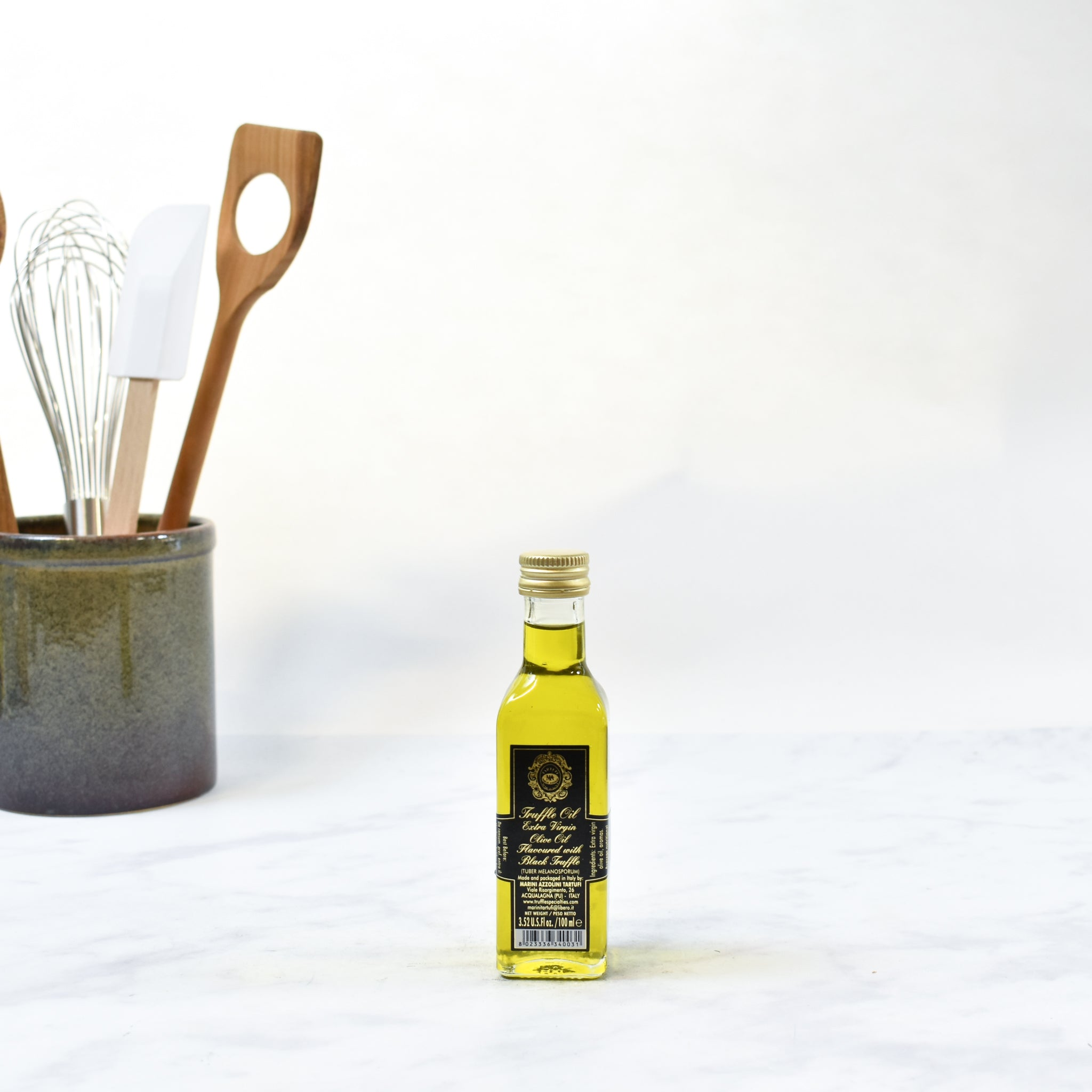 Black Truffle Oil 100ml  lifestyle photograph