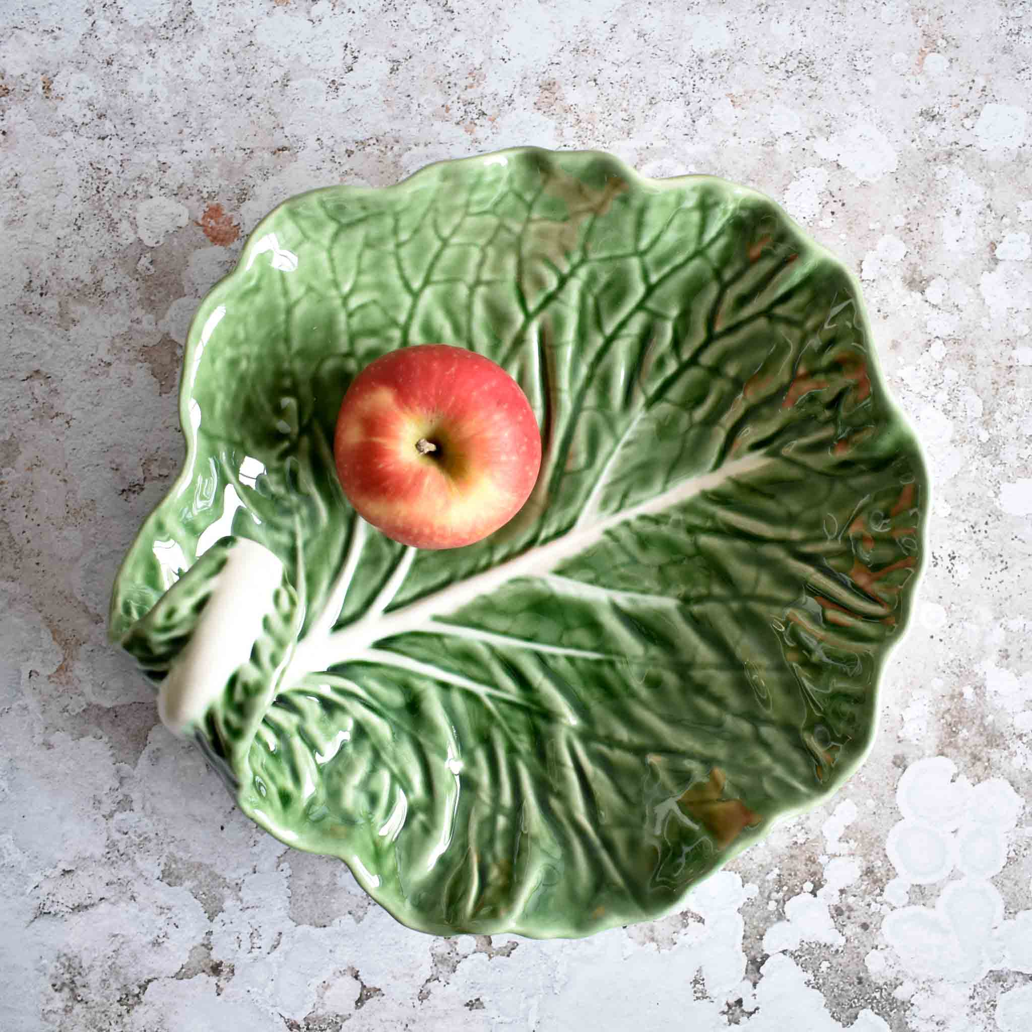 Bordallo Pinheiro Curved Cabbage Leaf Dish 25cm Tableware