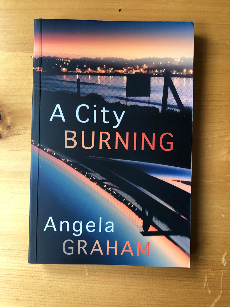A City Burning, Angela Graham ( paperback)