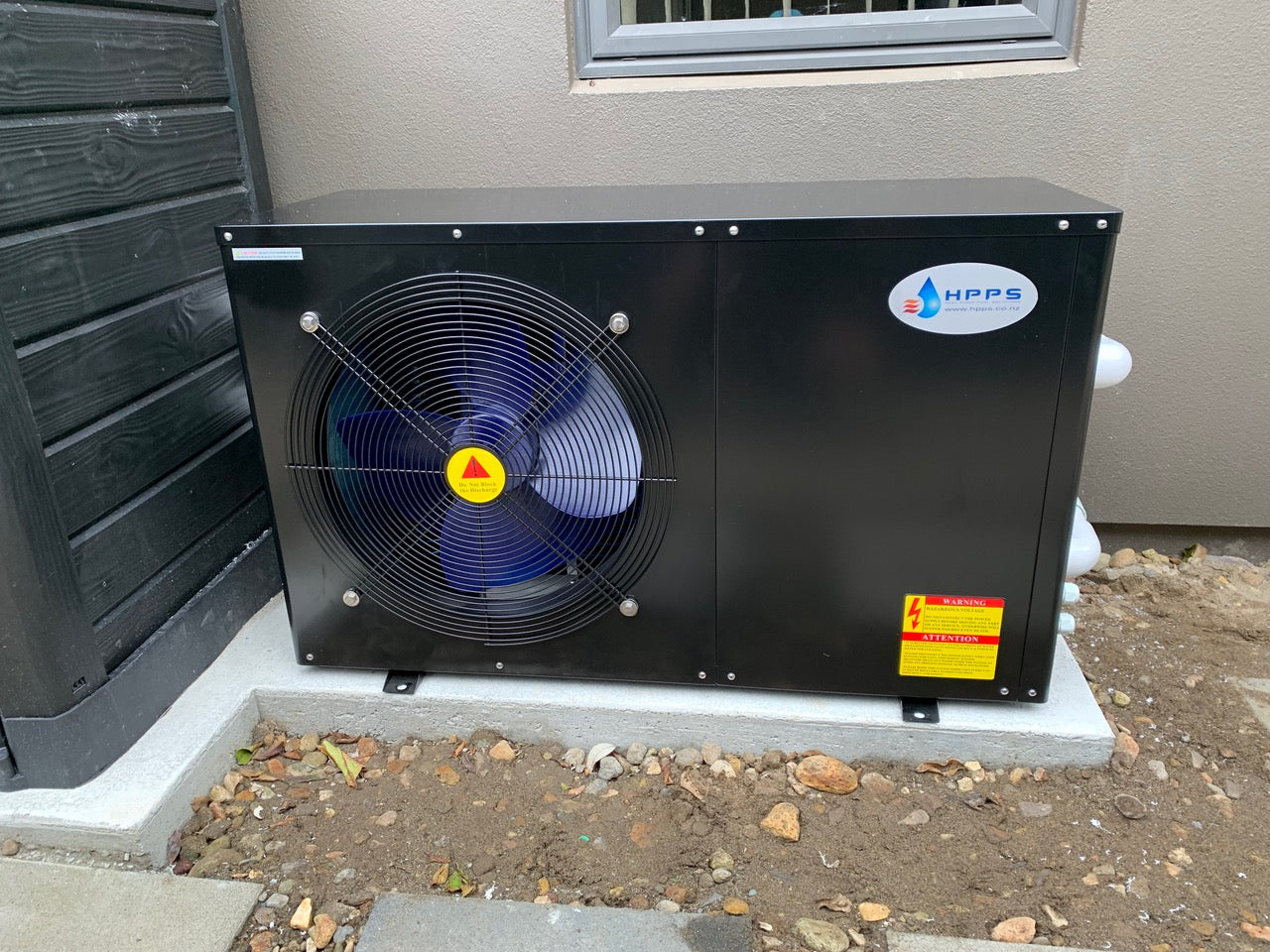 HPPS Heat pump - Side blowing stainless steel unit with black powder coat