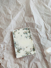 Load image into Gallery viewer, Lavender Shampoo Bar