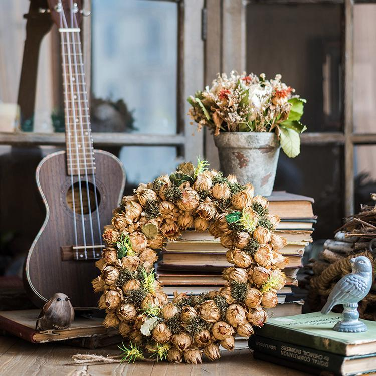 4 Ways to Spruce Up Your Home This Holiday Season Using Wreaths