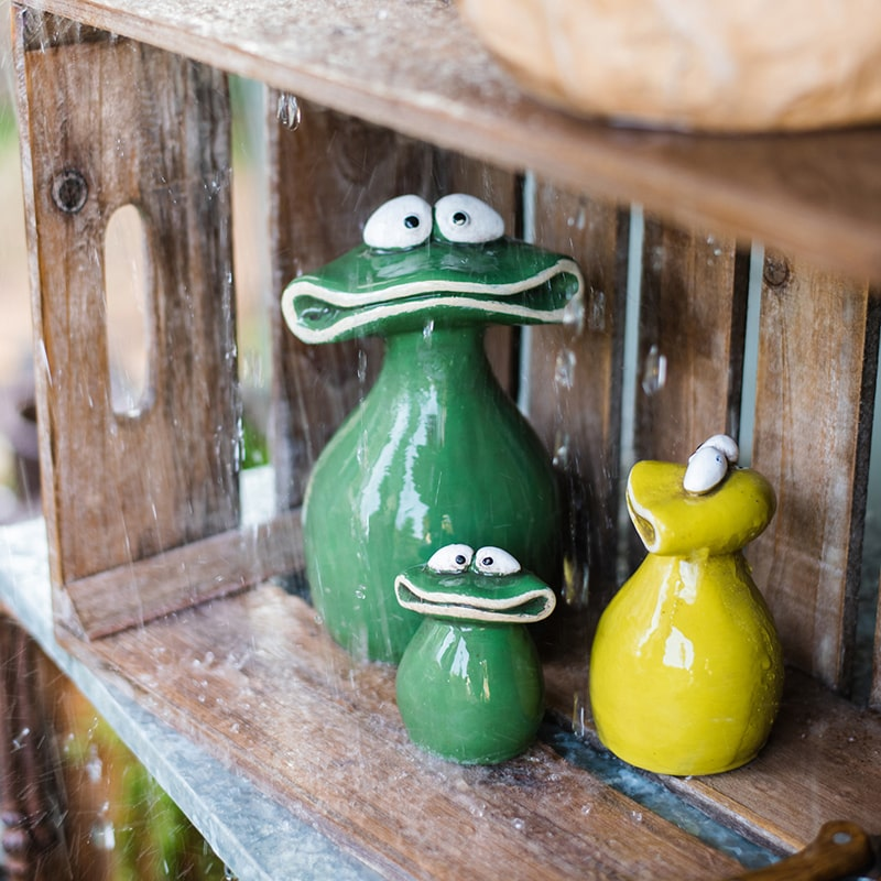 Frog Family Concrete Figurine Decoration