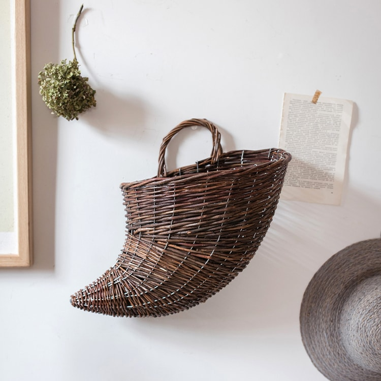 Horn Shape Willow Hanging Basket Planter