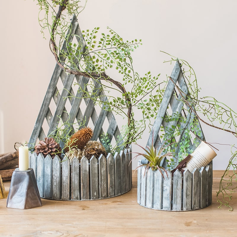 Decorative Wood Planter with Trellis Back