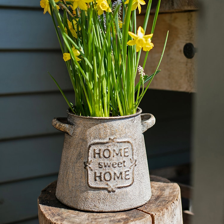 Restoration Sweet Home Flower Pot