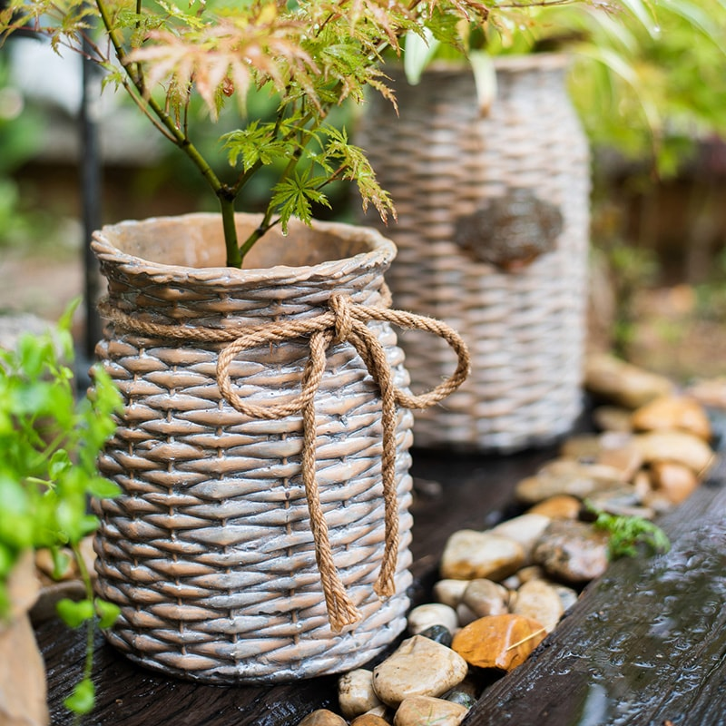 Willow Style Ribbon Concrete Flower Pot