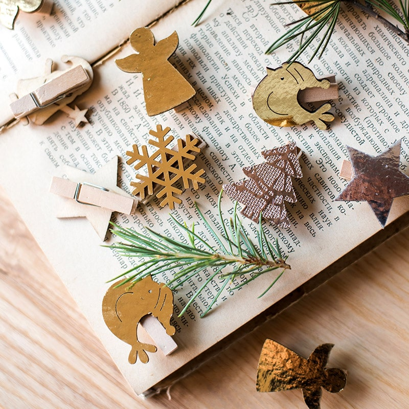 Christmas Wood Clips Randomly Picked Set of 3 Total 18 Pieces