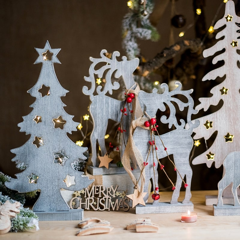 Christmas Desktop Decoration Figurines in Wood