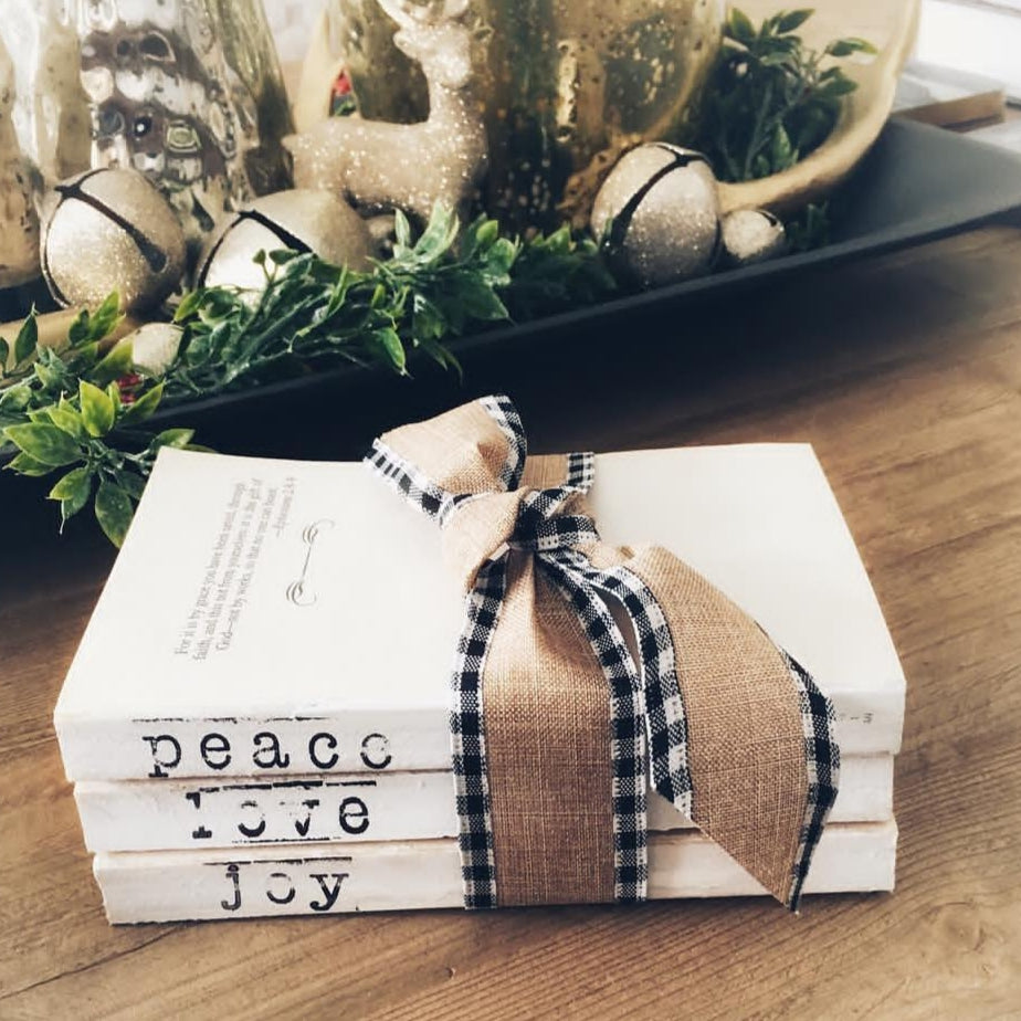 Little Pandanus Sustainable Holiday Wrapping