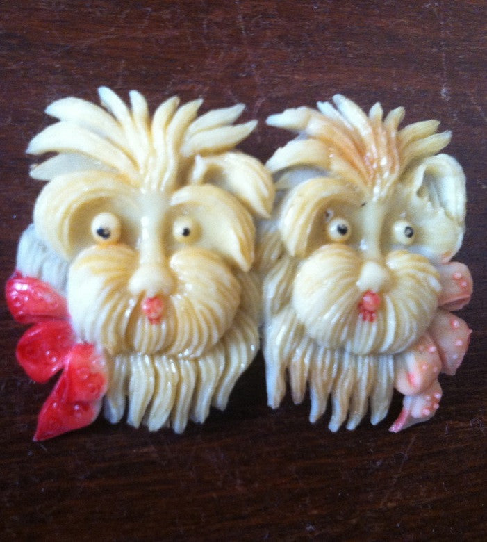 Bakelite Twin Dog Pin, Made in Occupied Japan
