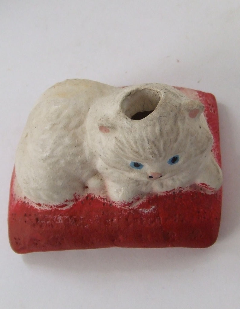 Old Chalk Persian Cat Pencil Holder
