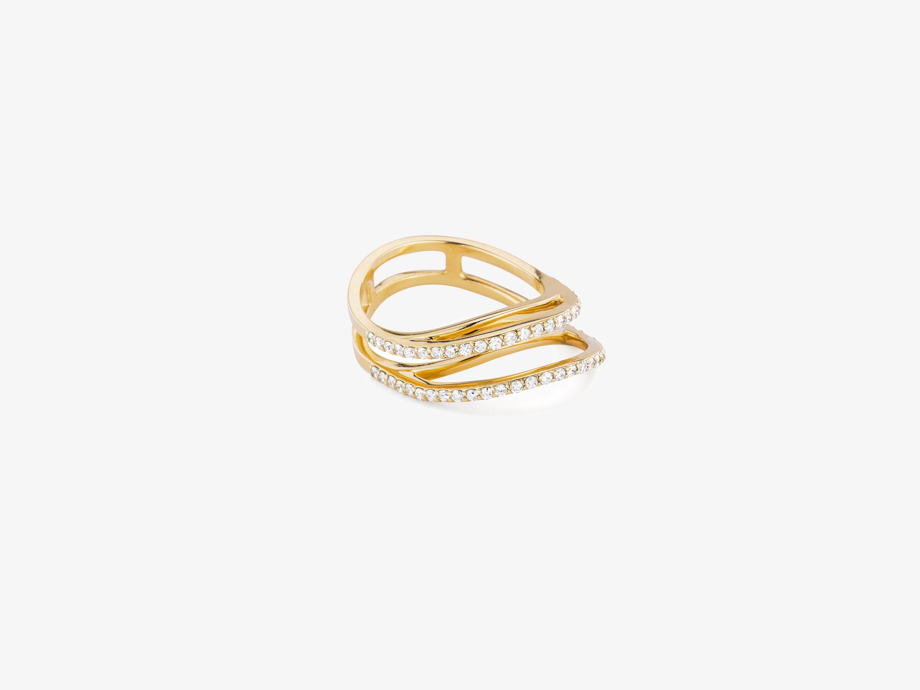 Three Dimensional Wavy Ring with Full Diamond Pave