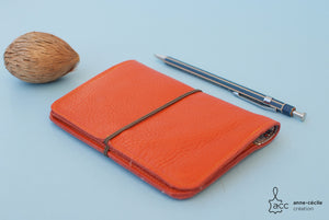 Portefeuille passeport cuir orange - ProductImage-11762189402212