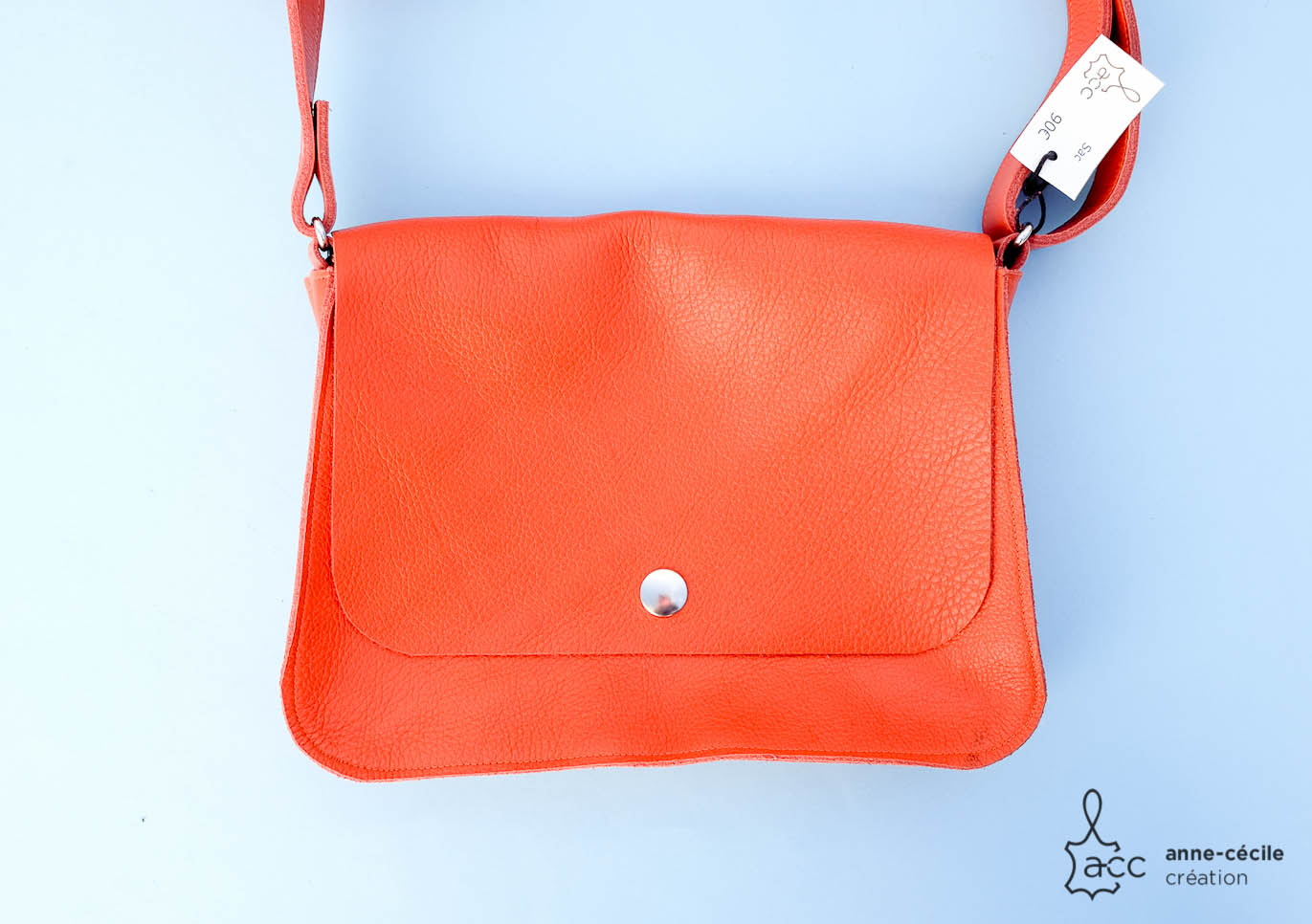 sac à main orange en cuir