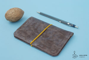 Passport card holder in gray leather - ProductImage-13220790501476