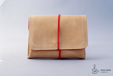 Beige purse leather natural