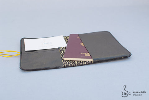 Black laether wallet