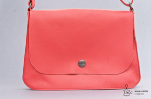 Small red leather handbag - ProductImage-19295748423838