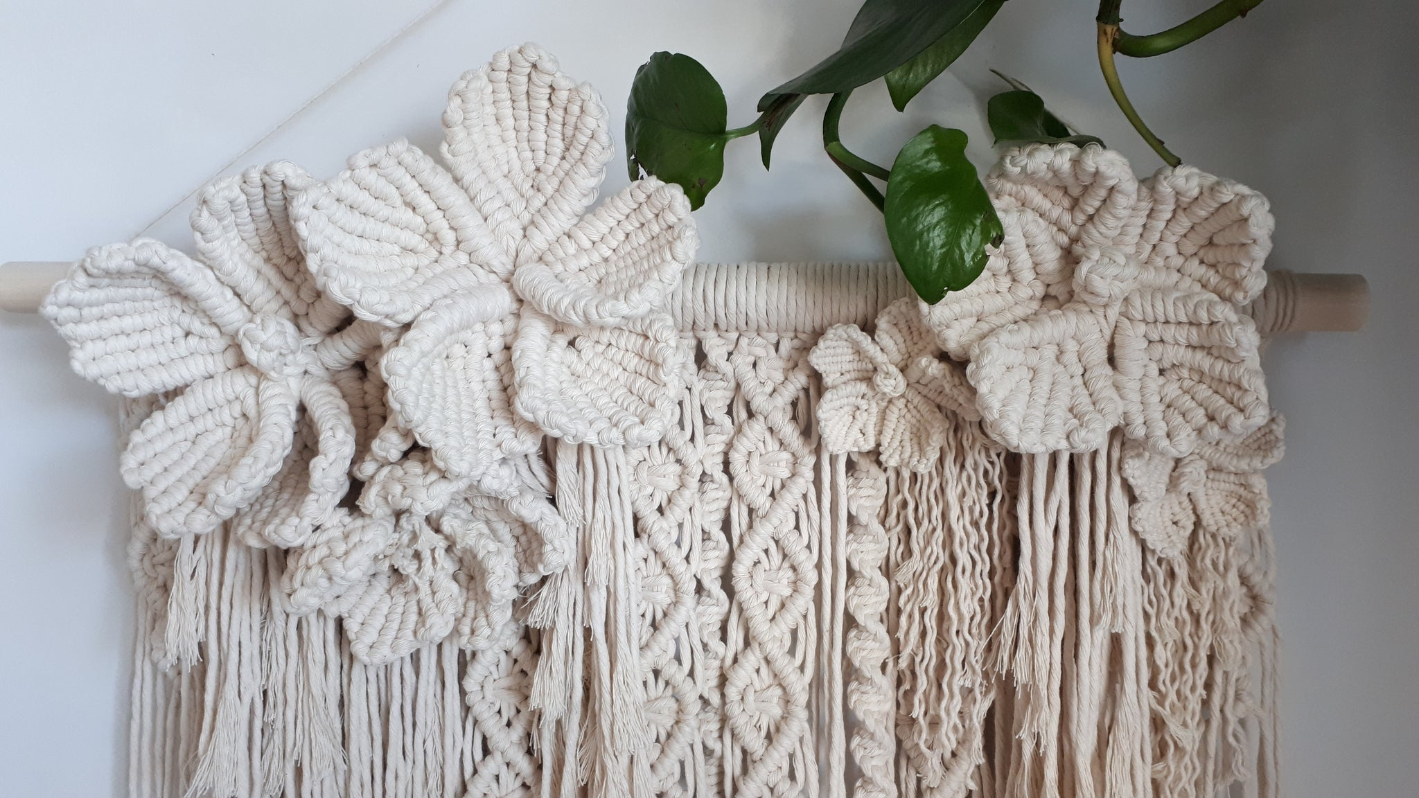 Macrame Flower Wall Hanging – Little Knotty Farmhouse