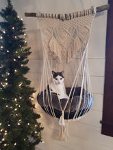 Load image into Gallery viewer, Macrame Cat Swing