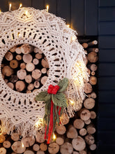 Load image into Gallery viewer, Macrame Holly and Berries