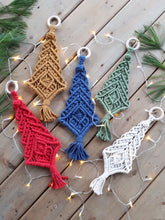 Load image into Gallery viewer, Macrame Christmas Tree