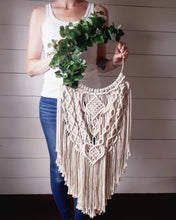 Load image into Gallery viewer, Macrame Wreath
