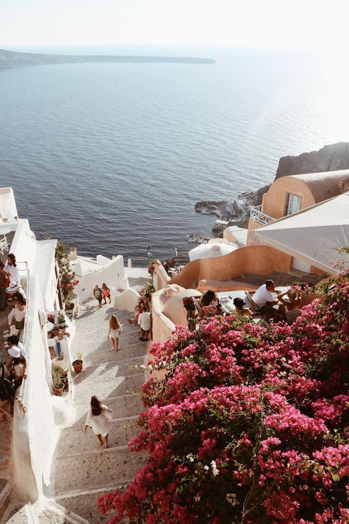 Wanderlusting? Your guide to a picturesque Santorini holiday