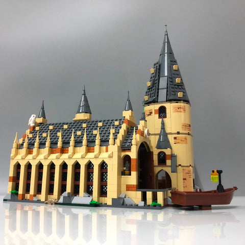 983pcs Wall Castle Model Building Blocks