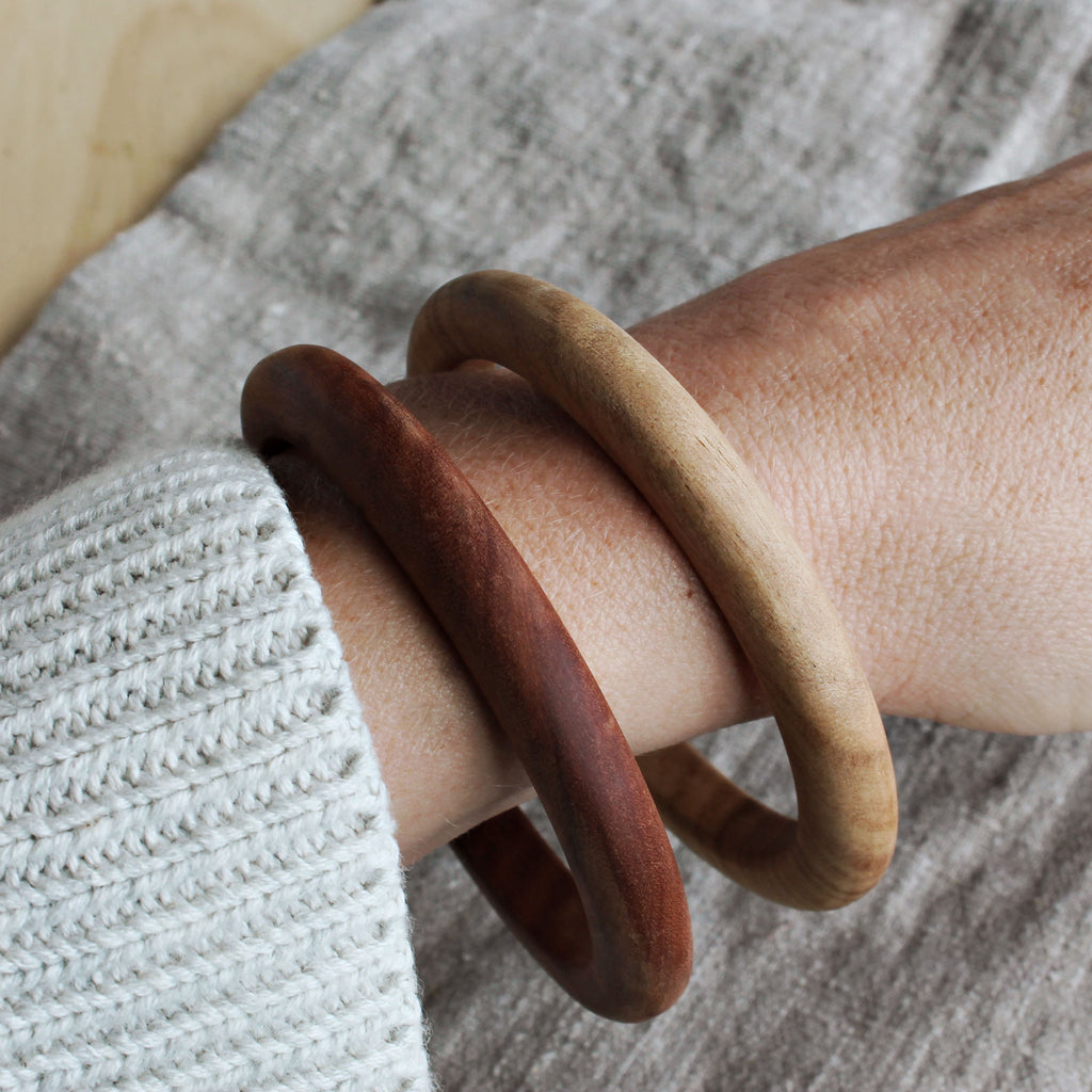 Wood Bangle (Delta Cut)