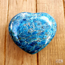Load image into Gallery viewer, APATITE HEART