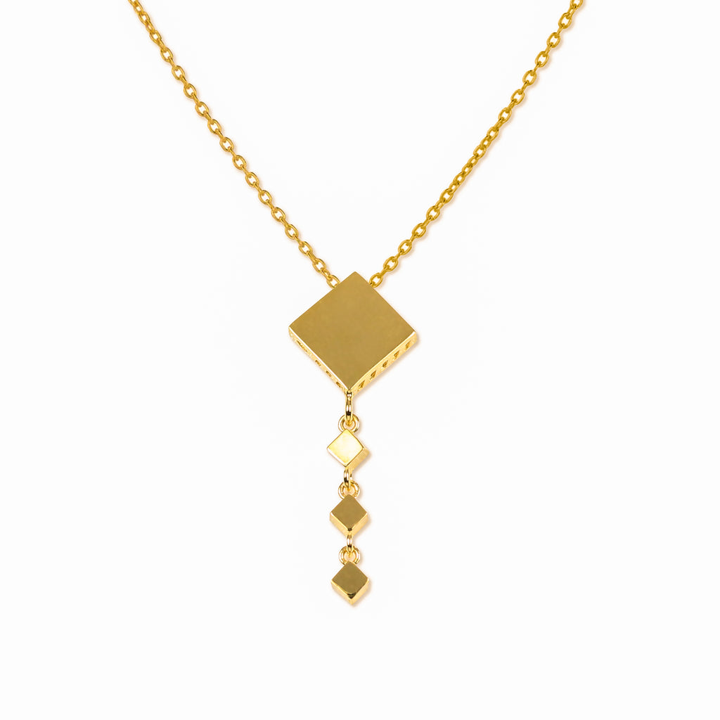 18K Chinese Gold Diamond Shaped Necklace