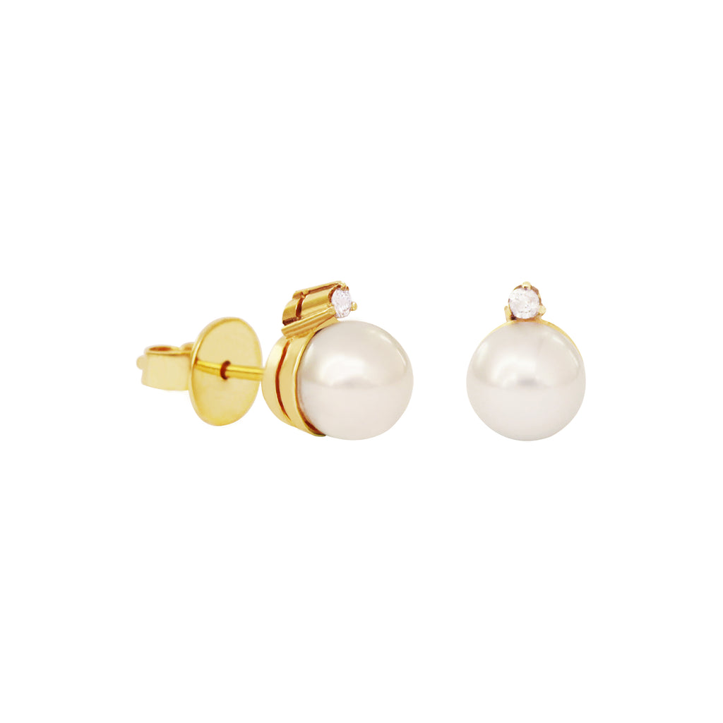 White South Sea Pearl Stud Earrings in 14K Yellow Gold and 0.08ct Diamonds