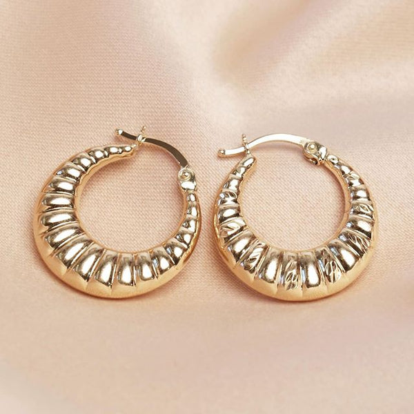 18K Saudi Gold Croissant Shaped Hoop Earrings