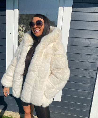 White High Quality Faux Fur Coat
