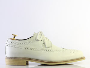 White Shoes wing tip shoes Two tone white dress shoes shoes dress handmade shoes party shoes mens lace up shoes wingtips shoes mens brogue Shoes white leather boots Slippers boots shoes lace up oxfords Moccasin  Slip ons Two tone shoes fashion Men fashions Designer Shoes Wing TIP shoes Mens Dress Shoes