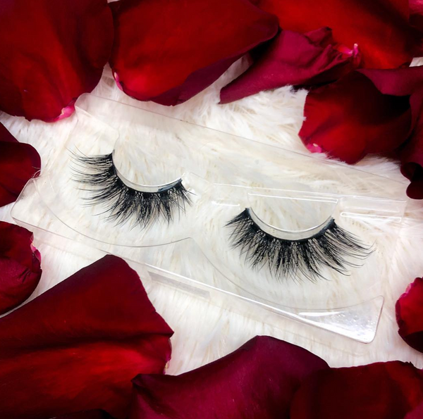 Fake eyelashes you've been dreaming of at Thrifty Lashes