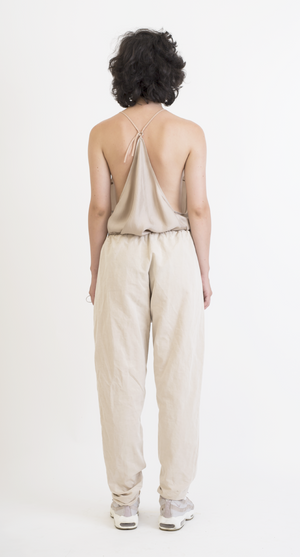 Beige V-carving pants