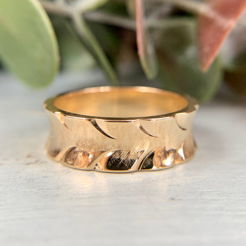 Etched Concave Gold Band 14k
