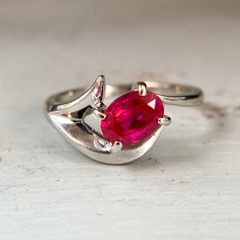 Synthetic Ruby Abstract Ring 10k