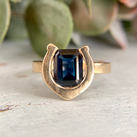 Synthetic Sapphire Horseshoe Ring 14k